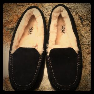 UGG Shoes - 😍❤️Nwot ugg slippers ❤️🌹